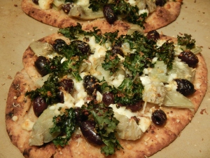 Olive and Artichoke Naan Pizza