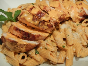 Grilled Chicken with Roasted Red Pepper Cream Pasta